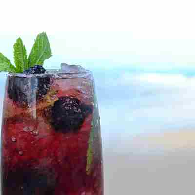 Blackberry mojito cocktail2.jpg