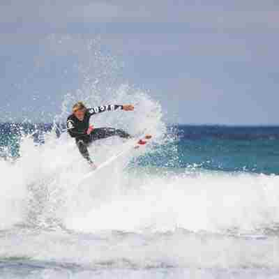 Harry-Timson-surfing-cold-water.jpg