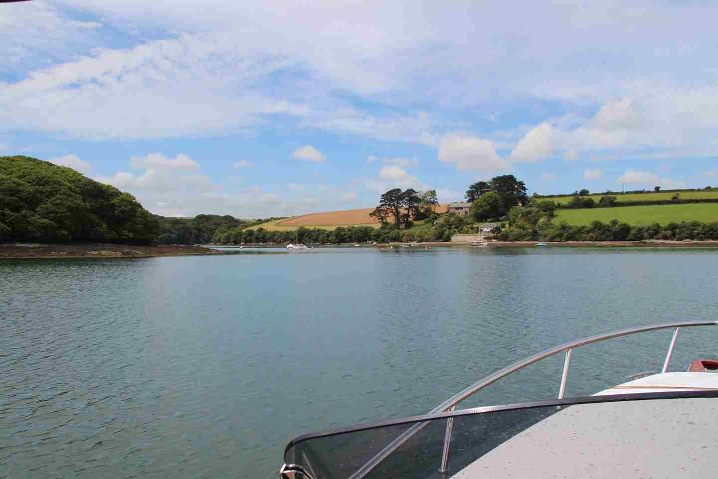 Exploring-remote-areas-of-Cornwall-by-boat.jpg