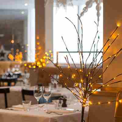 Winter-decorations-in-Zacry's-restaurant.jpg