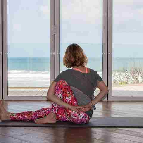 Yoga-active-break-at-Watergate-Bay.jpg